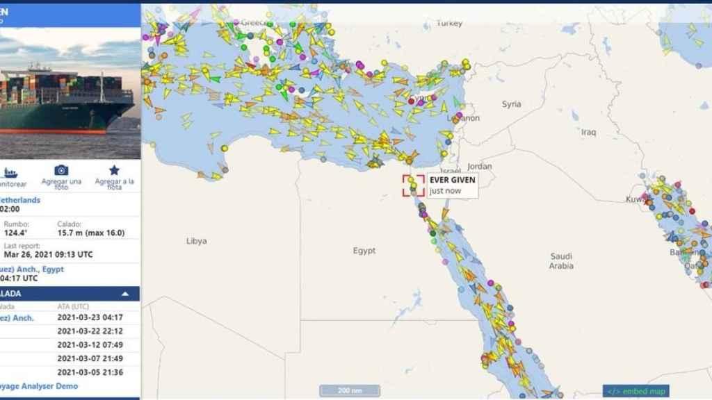 Embotellamiento en el Canal de Suez