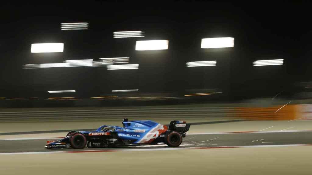 Fernando Alonso durante los entrenamientos de Bahrein
