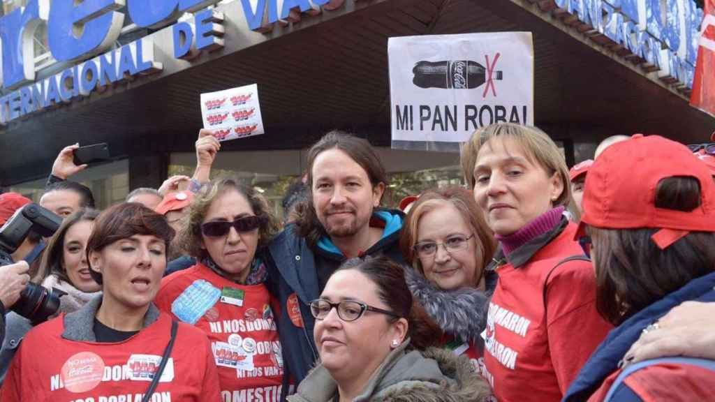 Iglesias, con los trabajadores de Coca-Cola.