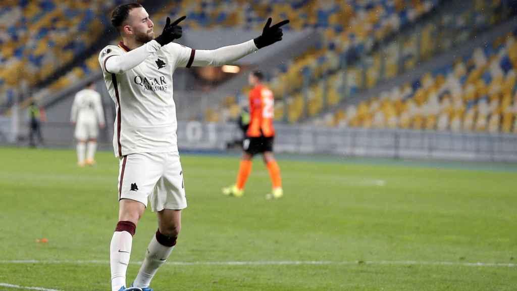 Borja Mayoral celebra un gol con la Roma