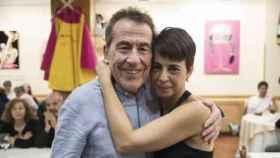Fernando Sánchez Dragó con Enma, su última novia conocida