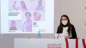 Mónica Oltra, vicepresidenta valenciana y consejera de Igualdad, presentando una campaña del 8M. EE