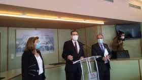 Mabel Campuzano, Juan José Liarte y Francisco Carrera, los tres diputados expulsados de Vox.