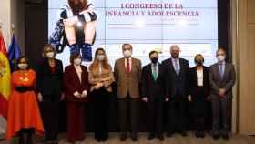 Los decanos de los colegios de abogados de Madrid y Barcelona junto a los organizadores del congreso./