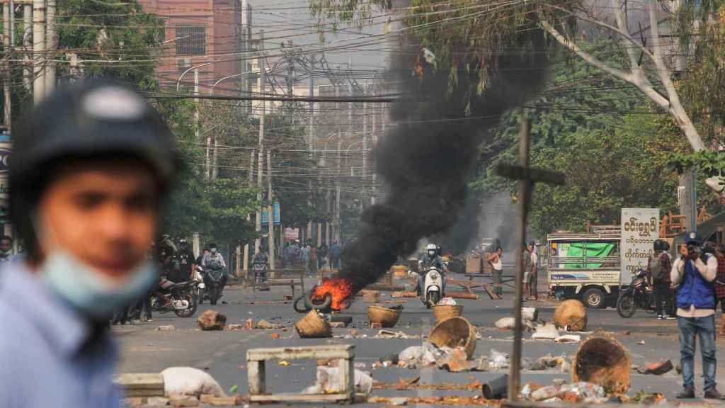 Protestas en las calles de Birmania, en Mandalay.