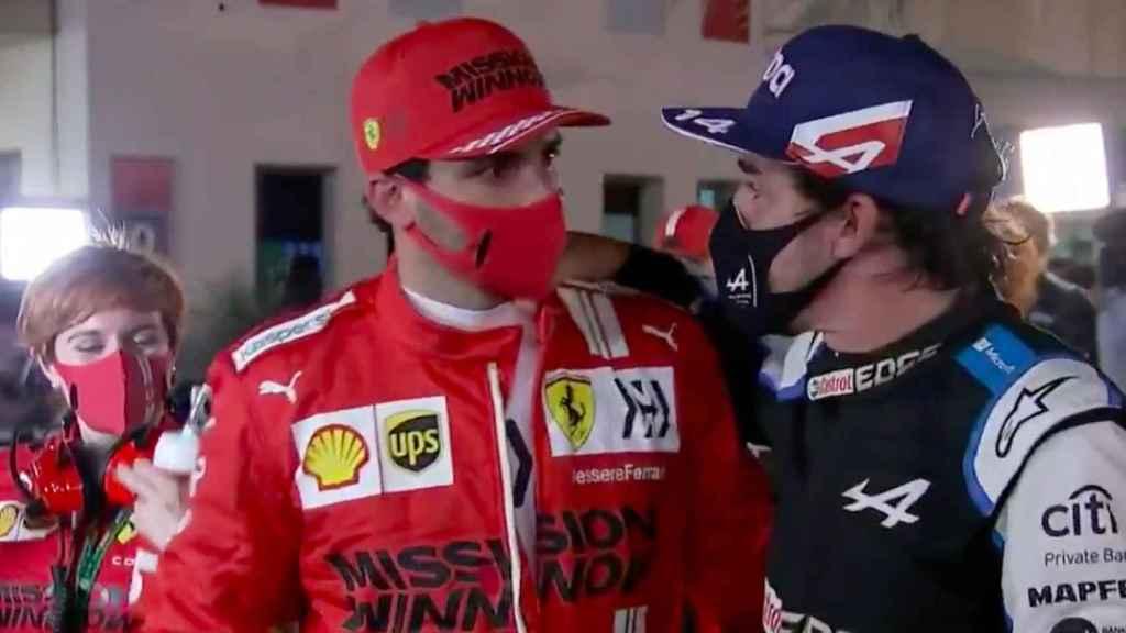 Carlos Sainz y Fernando Alonso en Bahrein