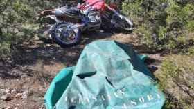 Lona utilizada para tapar las motos robadas