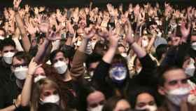 Espectadores del concierto de Love of lesbian.
