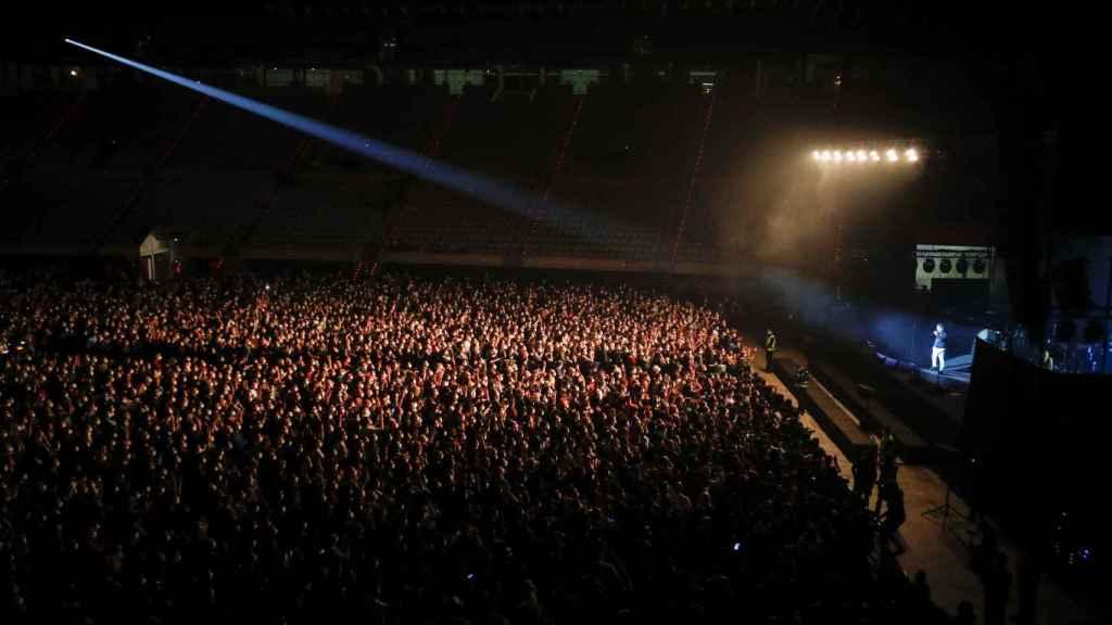 Vista general del concierto de Love of Lesbian en el Palau Sant Jordi de Barcelona