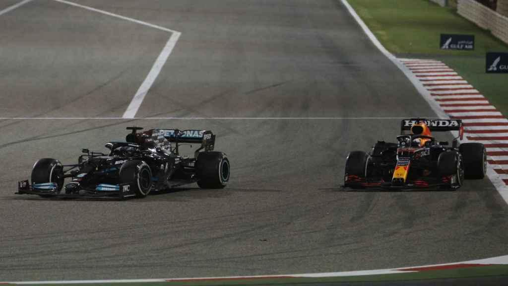 Hamilton adelanta a Verstappen en el GP Bahrein de Fórmula 1
