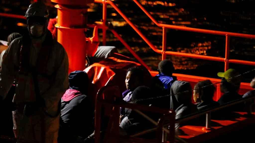 Una embarcación de Salvamento Marítimo arriba en Arguineguín hace unos días.