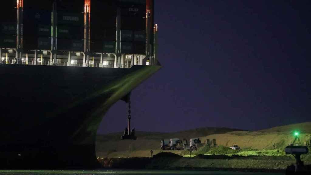 Fracasa nuevo intento de reflotar el Ever Given y debloquear en canal de Suez