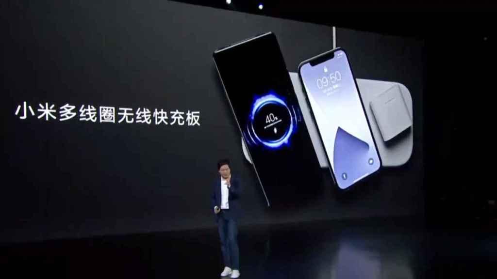 Base de carga de Xiaomi con un iPhone