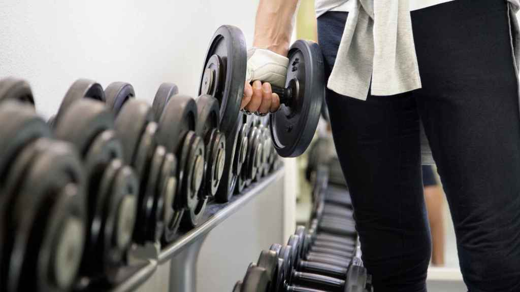 Los ejercicios de fuerza son recomendables para la tensión normal en rango alto.