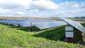 Un parque solar en una imagen de archivo.
