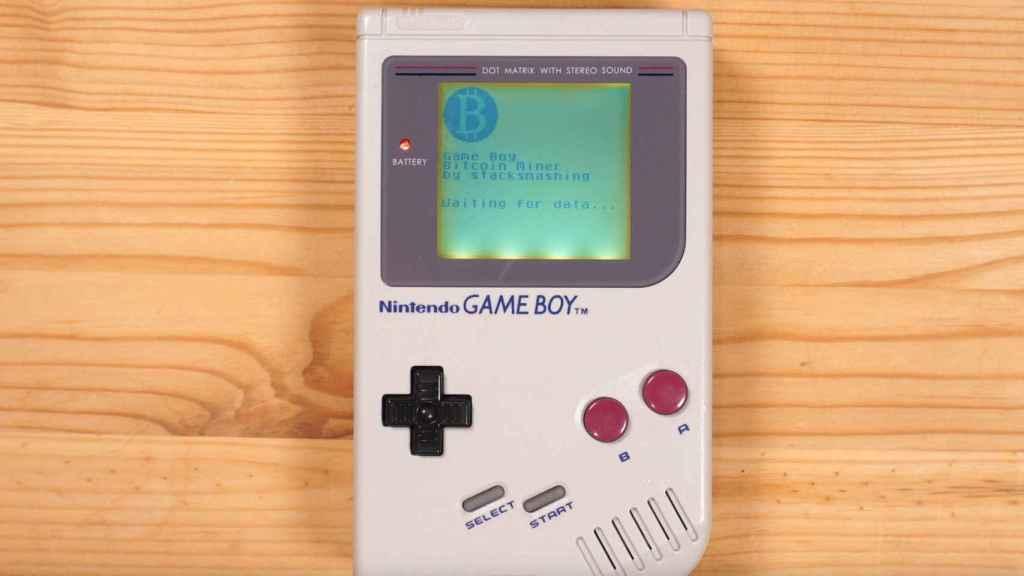 Game Boy minando Bitcoin