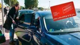 Pablo Iglesias subiendo a su coche oficial.