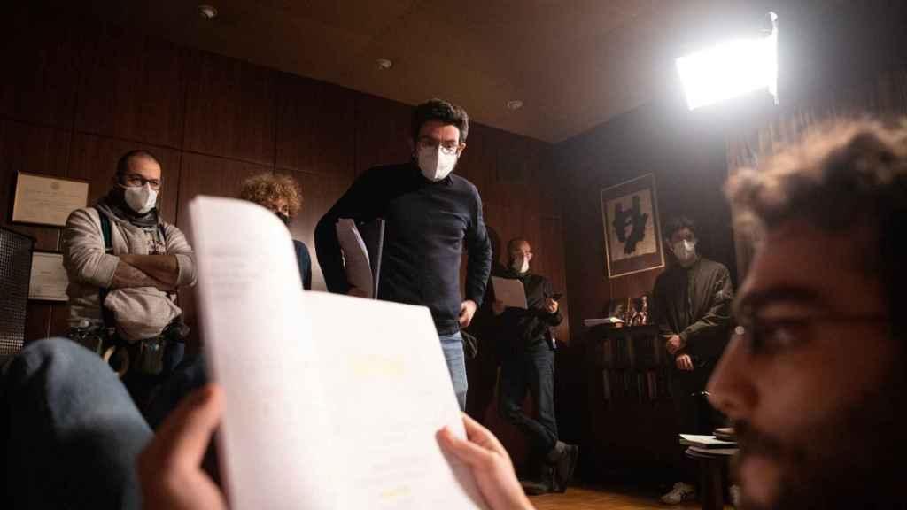 Carlo Padial en el rodaje de 'Doctor Portuondo'.