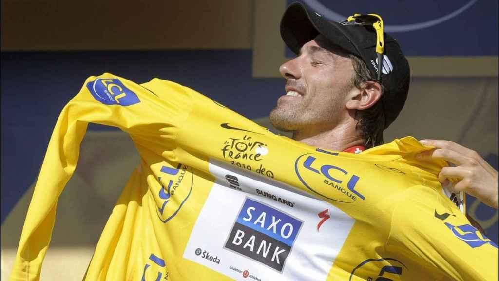 Alessandro Petacchi, portando el maillot amarillo del Tour de Francia
