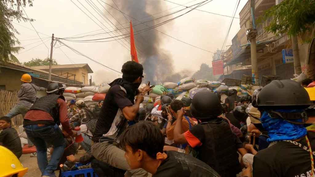 Protestas contra el golpe de Estado en birmania.