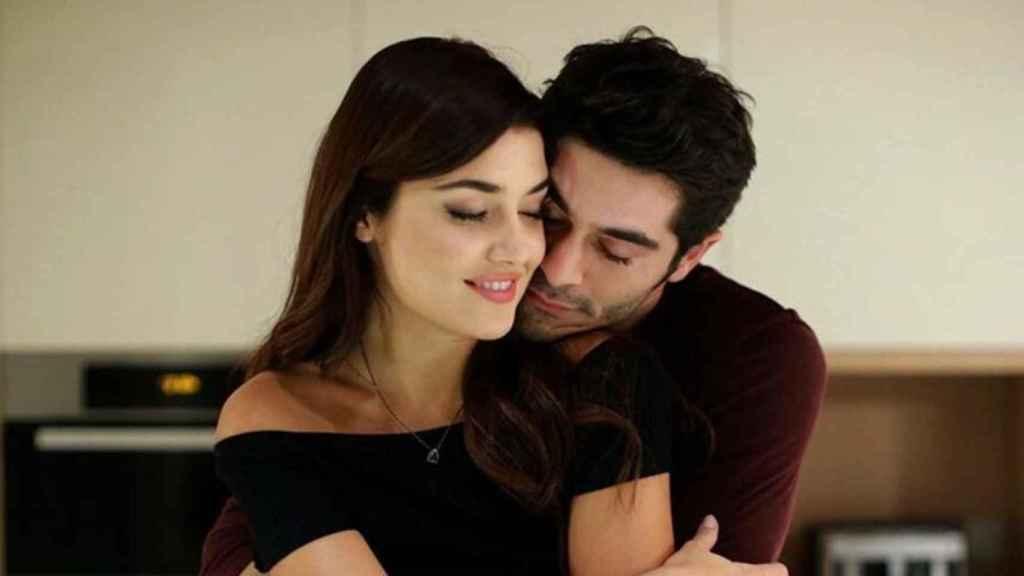 Hande Erçel y Burak Deniz en 'Hayat: amor sin palabras'