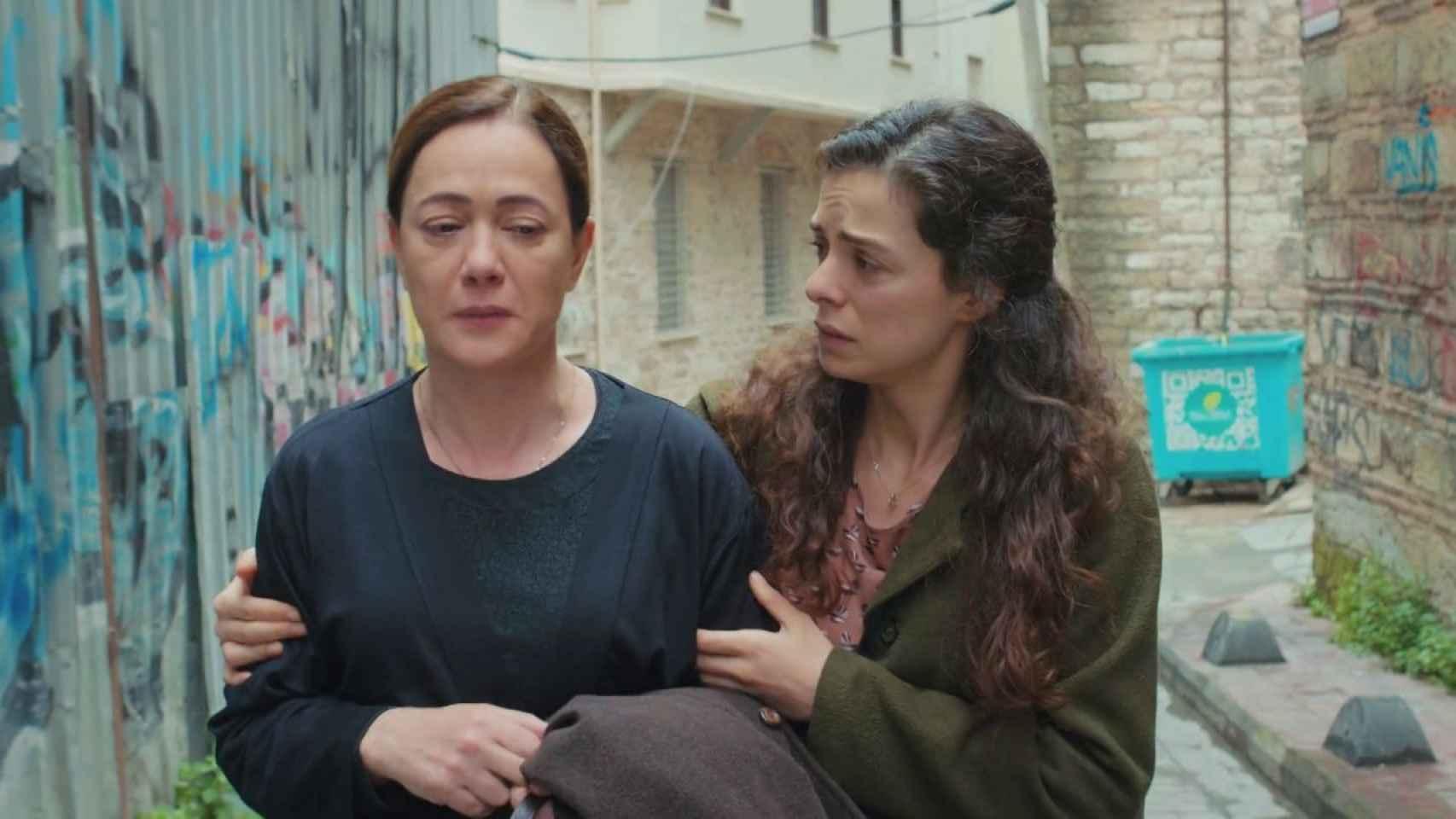 'Mujer' sigue liderando con comodidad frente a 'Love is in the air'