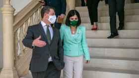 Page, con la ministra de Sanidad el pasado lunes en el Palacio de Fuensalida