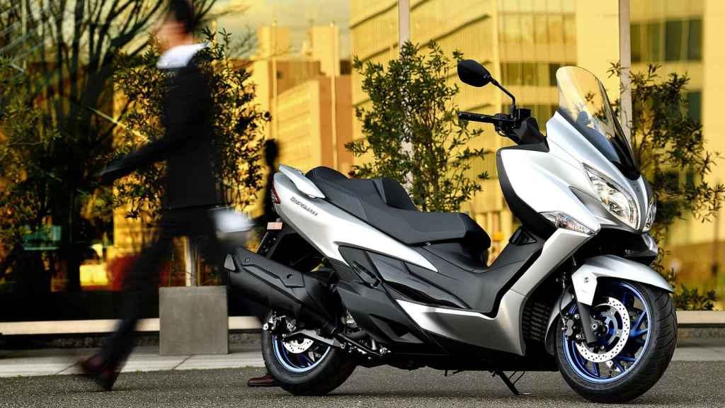 Suzuki Burgman 2021.