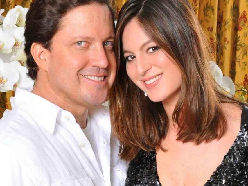 Imagen junto a su marido que demuestra que utiliza instantes personales además de profesionales.