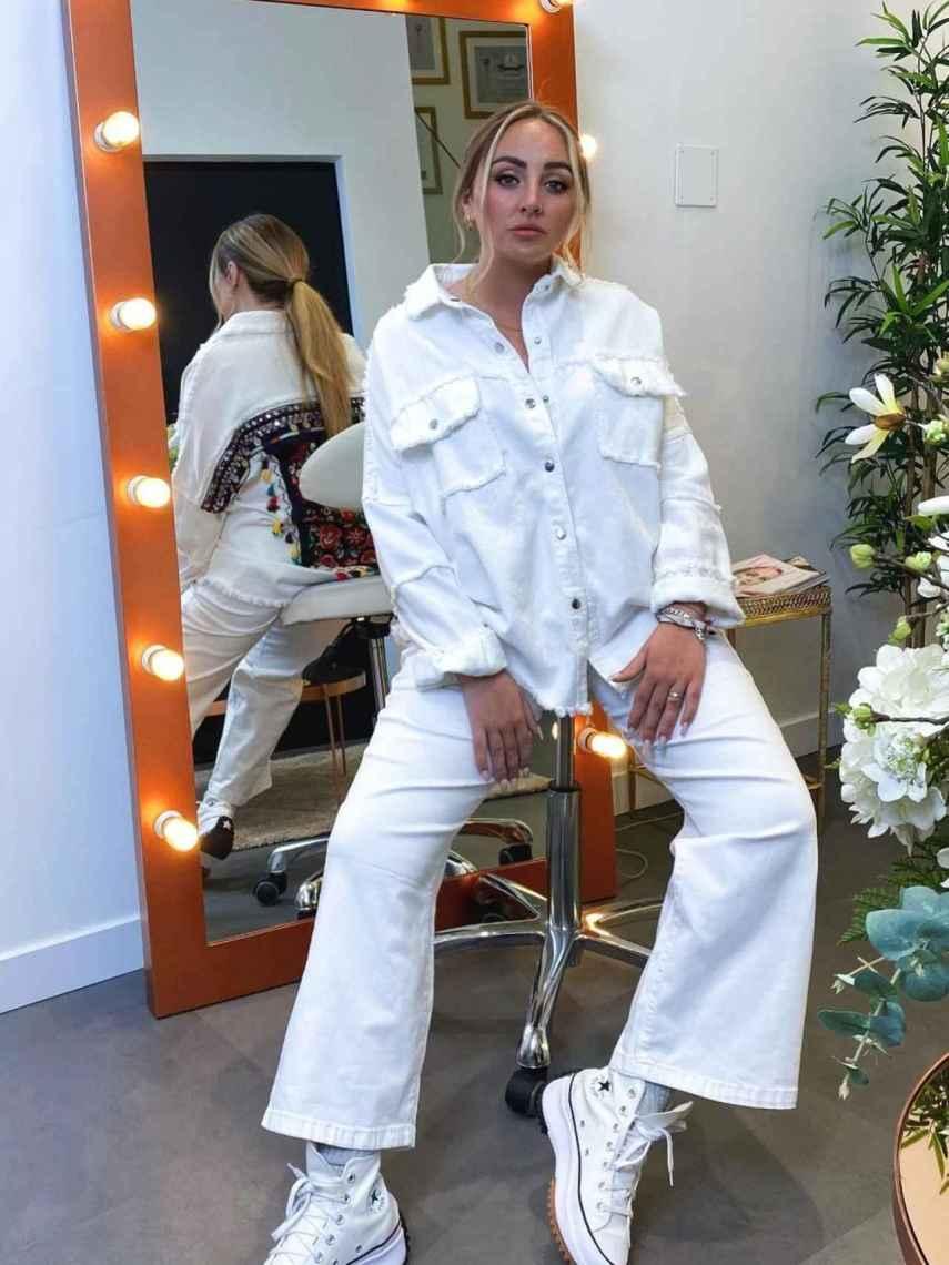 Rocío posando con uno de los 'looks' de ese trabajo publicitario.