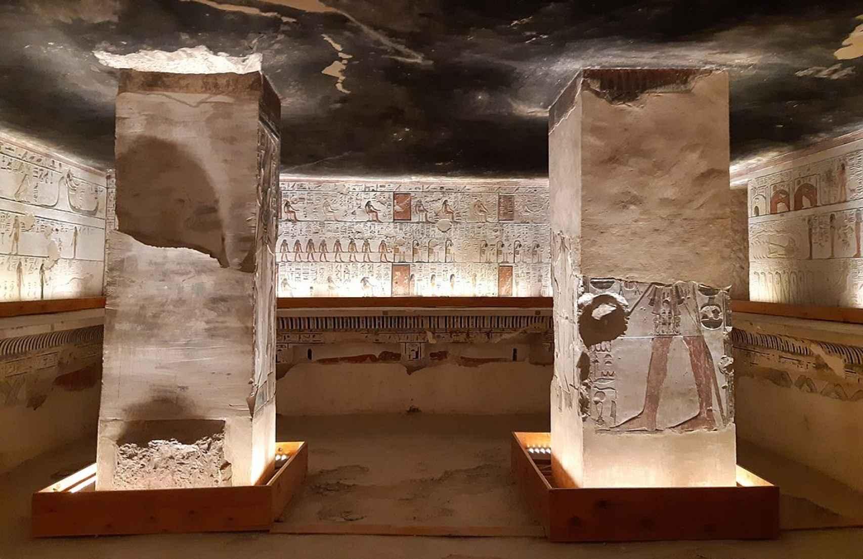 Interior de la tumba de Seti I.