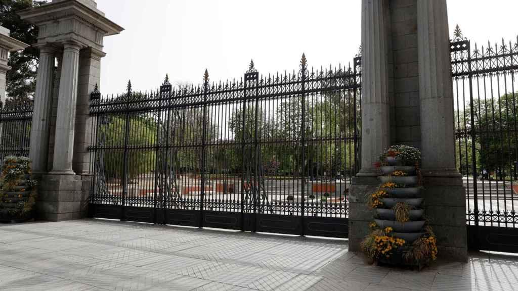 Uno de los accesos del Parque del Retiro de Madrid.