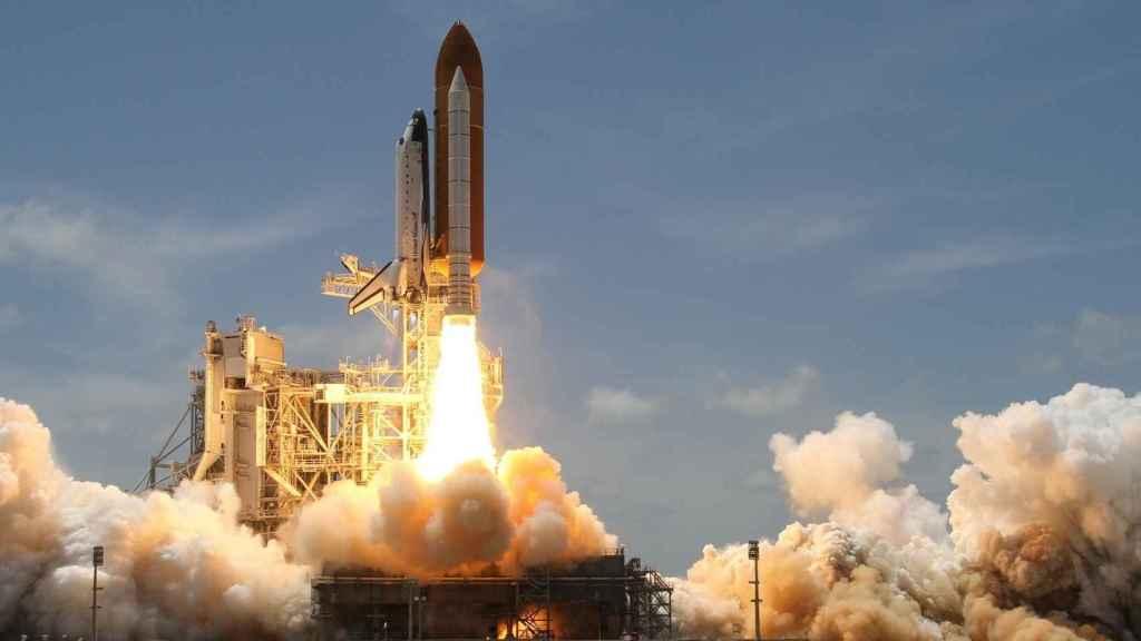 Un cohete despegando en una imagen de archivo.