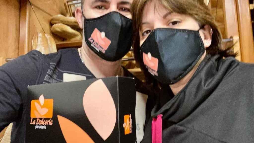 Rubén y su mujer, dueños de La Dulcería Morata.