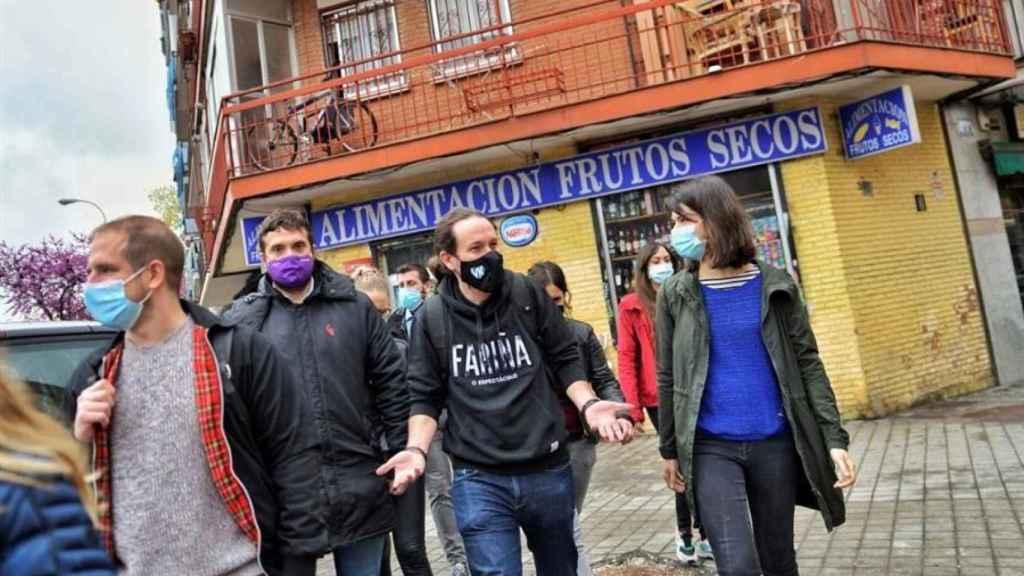 Pablo Iglesias en su visita a Vallecas este viernes.