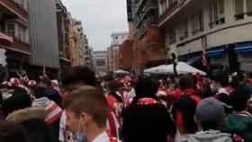 Aglomeraciones en las calles de Bilbao antes de la final de la Copa del Rey