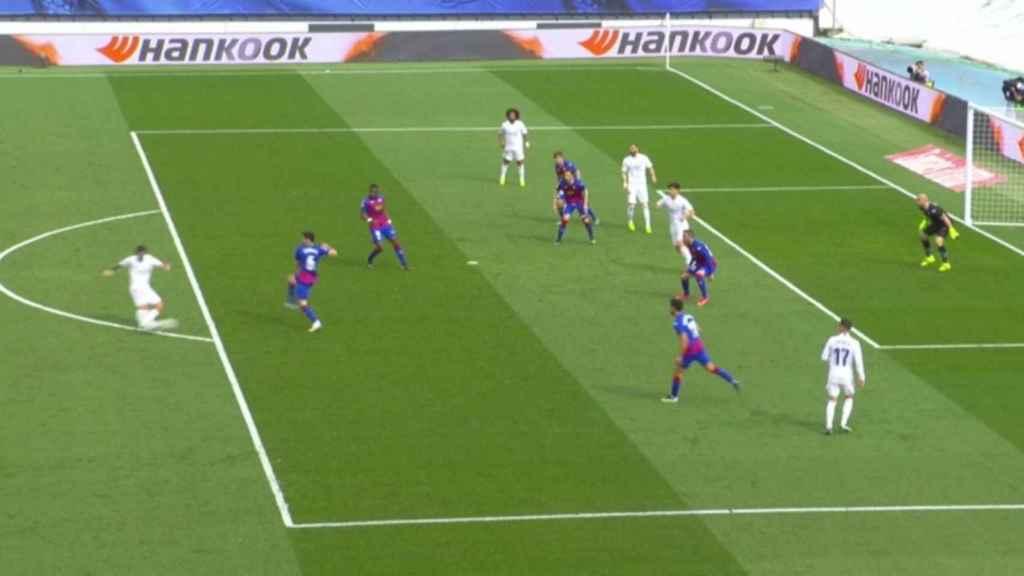 Gol anulado al Real Madrid por fuera de juego de Asensio