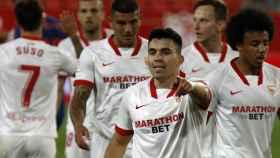 Acuña celebra su gol con el Sevilla al Atlético