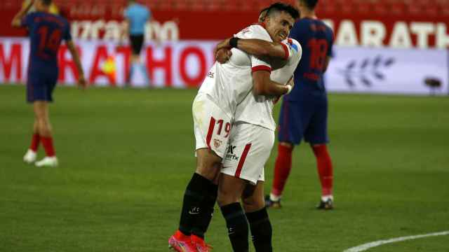 El Sevilla celebra su gol