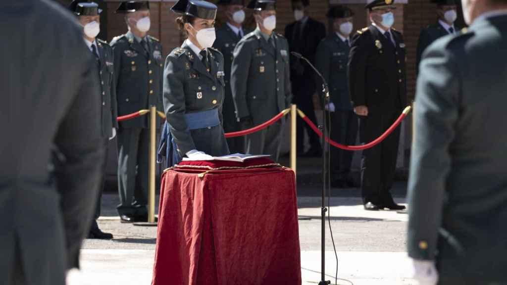 La teniente coronel Silvia Gil tomando posesión como jefa de la Comandancia de la Guardia Civil en Teruel.