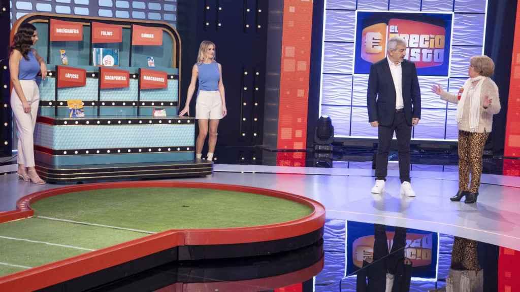 Paula Gómez, Arianna Aragón y Aitor Ferrón serán azafatos de 'El precio justo' en Telecinco.