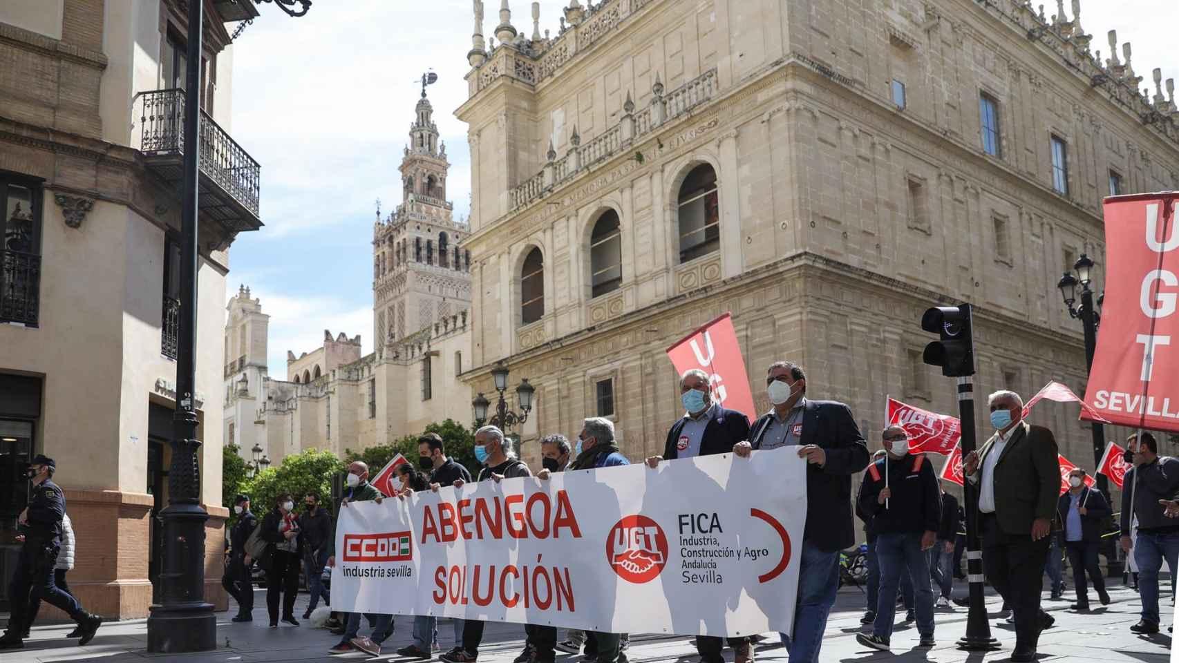 Imagen de archivo de una manifestación de los trabajadores de Abengoa en el centro de la ciudad de Sevilla.