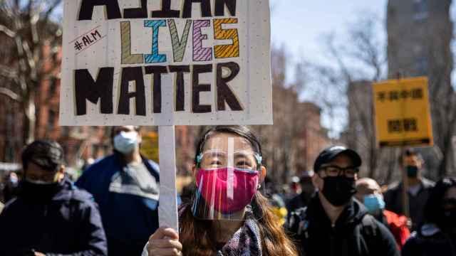 Una protesta contra los ataques racistas en EEUU contra la comunidad asiática.