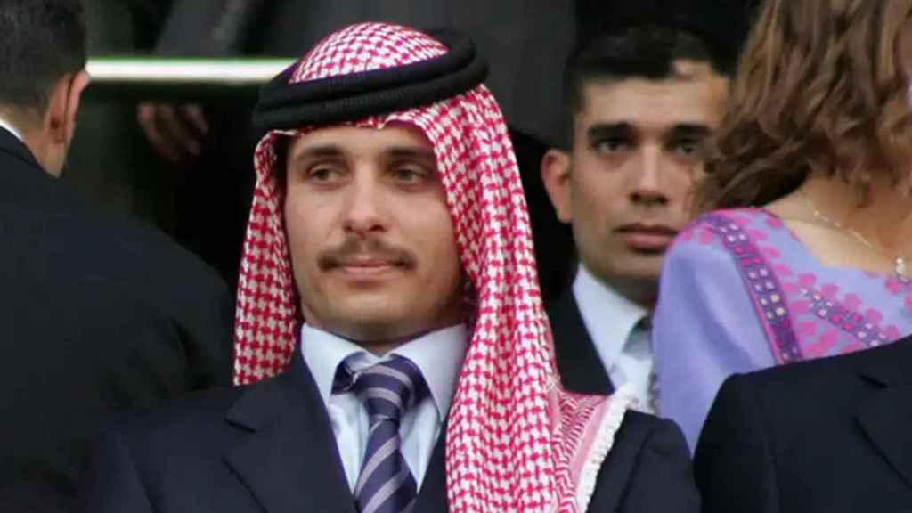 Hamzah habría prometido fidelidad al rey jordano, su hermanastro, tras el revuelo por su presunta organización de un complot contra él.