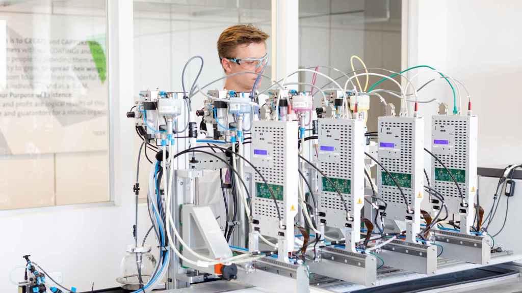 La impresora 3D usada para crear las prótesis con biomateriales. Foto: Maria Kirchner
