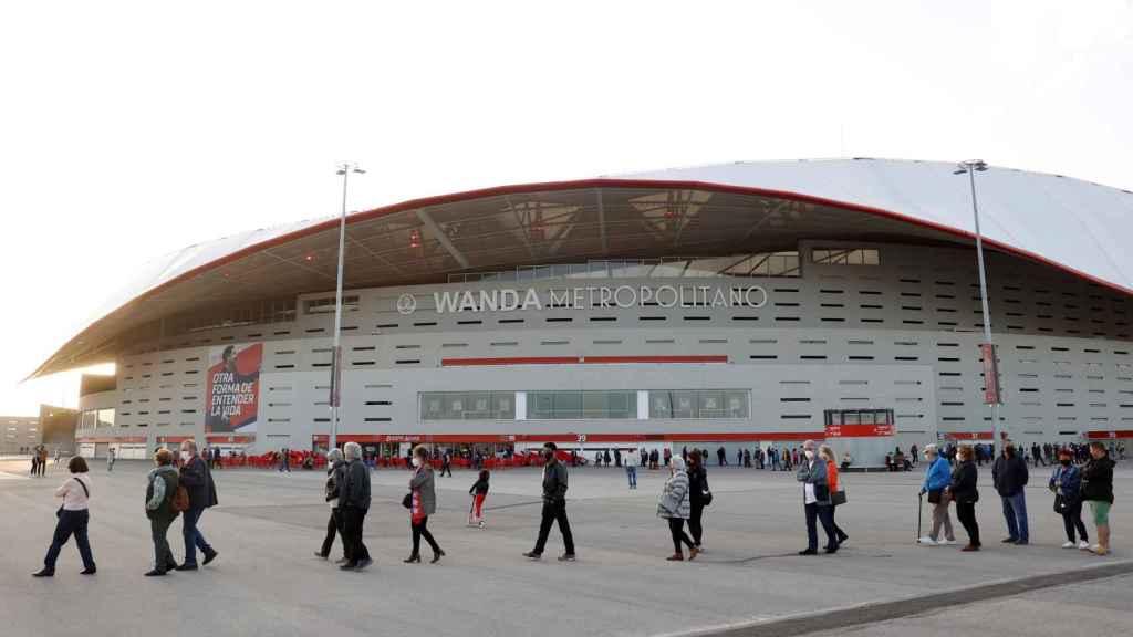 Los accesos al Wanda Metropolitano, en el inicio de la vacunación para la población general entre 60 y 65 años.