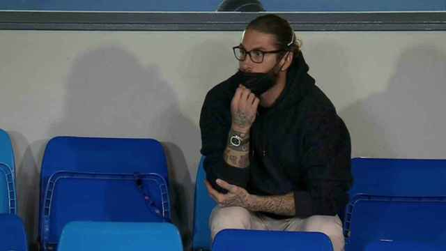 Sergio Ramos, en la grada del Alfredo Di Stéfano viendo el Real Madrid - Liverpool