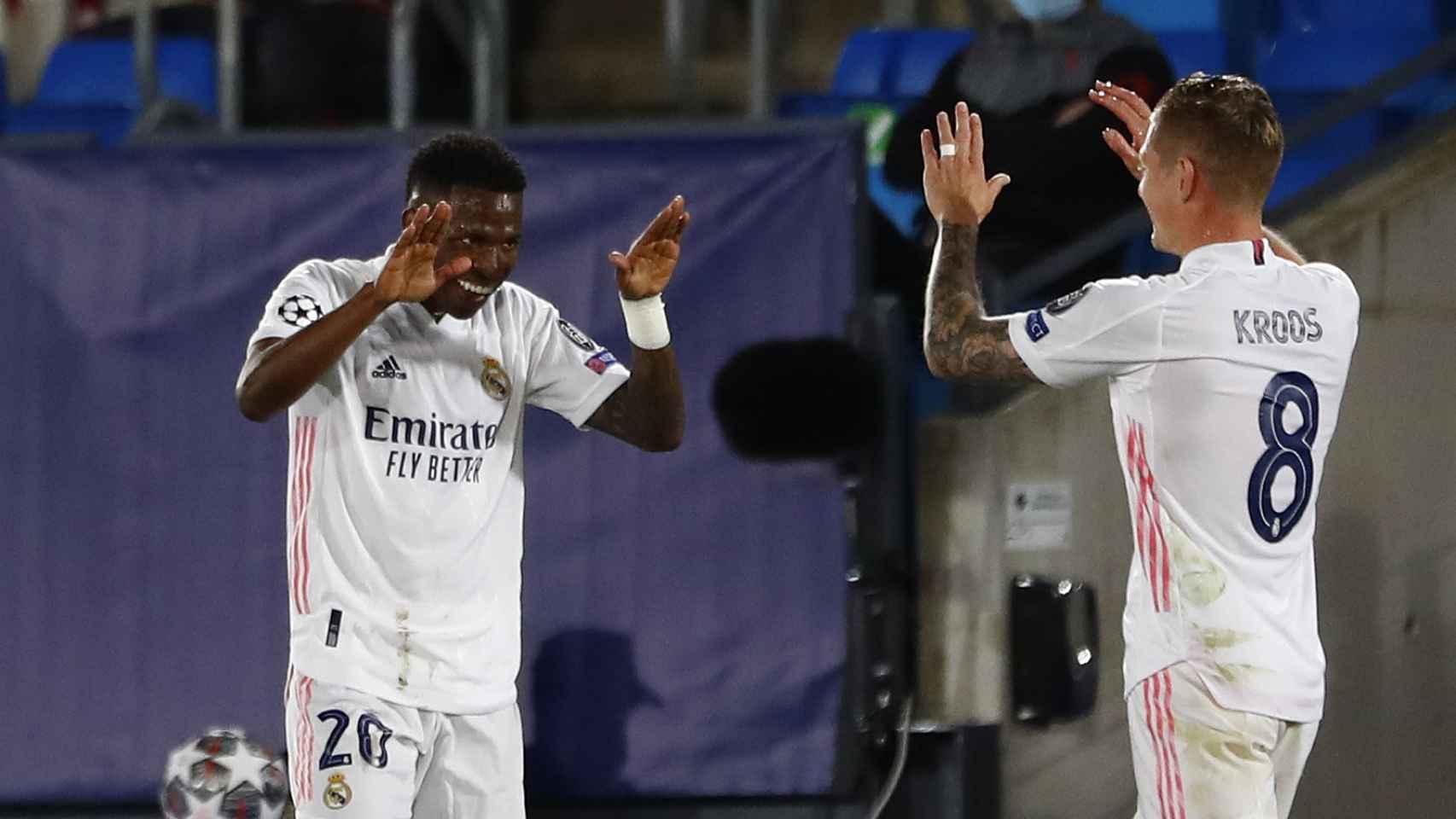 Vinicius agradece a Toni Kroos su pase de gol