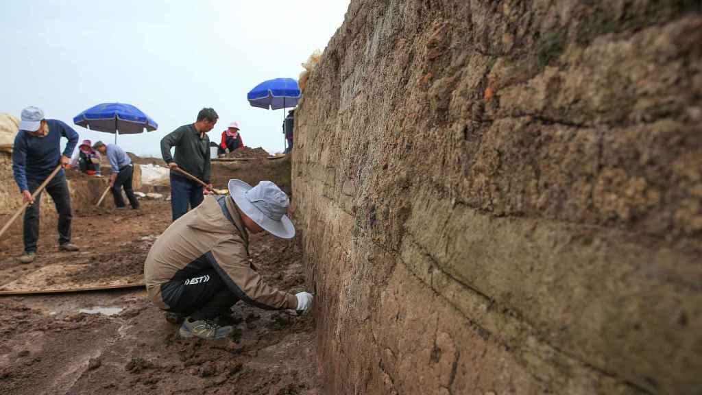 Fotografía del muro excavado.