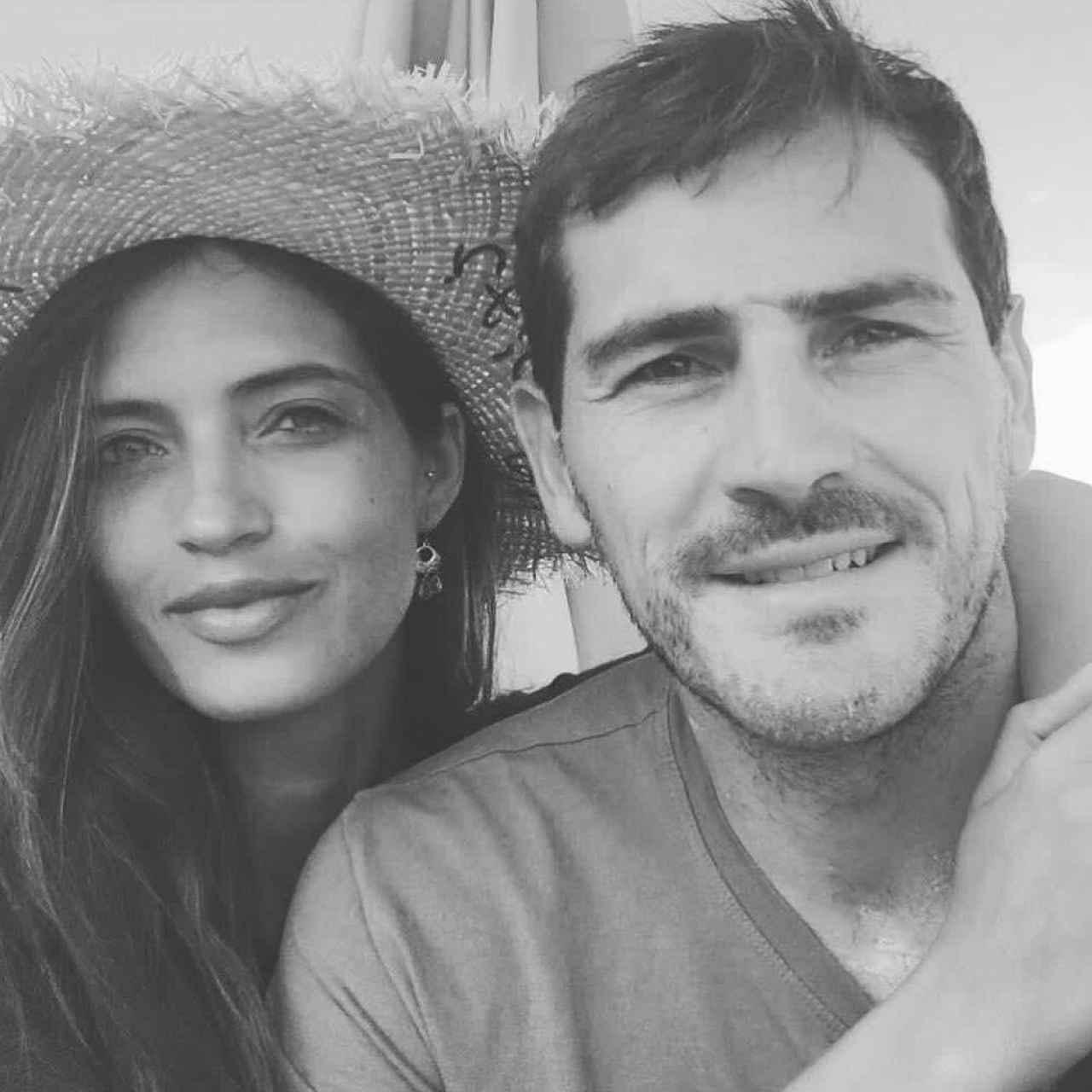 Esta es la foto con la que Iker y Sara acompañaban a su comunicado de separación.